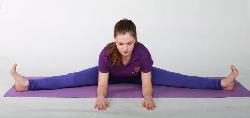 Поза йоги для растяжки